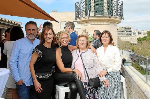 Diego Segura, Antonia Cañellas, Carmina Segura, Nati Martínez y Ani Segura.