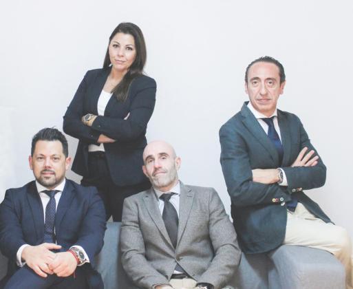 El despacho de abogados Luna-Garau cuenta con un equipo de abogados con amplia experiencia en derecho bancario.