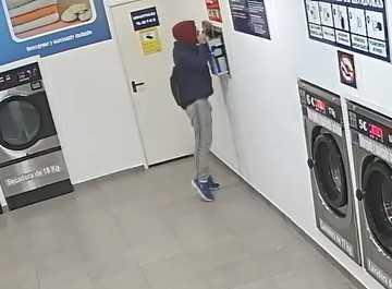 Imagen de una de las lavanderías en las que el ladrón realizó robos con fuerza.