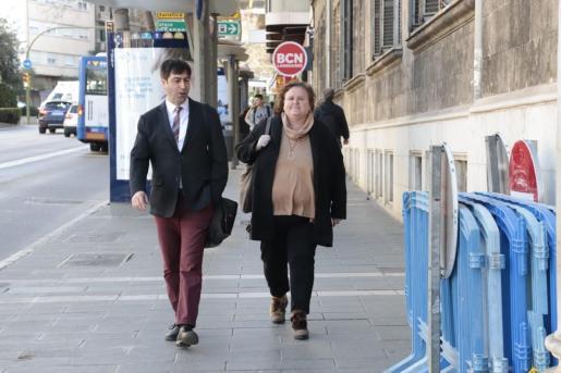 Ruth Mateu, a su llegada a los juzgados.