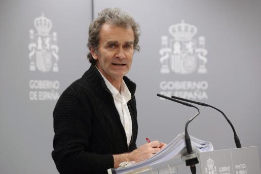El director del Centro de Coordinación de Alertas y Emergencias Sanitarias del Ministerio de Sanidad, Fernando Simón durante la rueda de prensa.