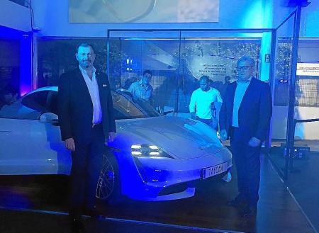 Centro Porsche Baleares presentó el nuevo Taycan