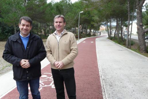 Damià Ripoll y Jaume Servera, junto al carril bici de Son Servera.