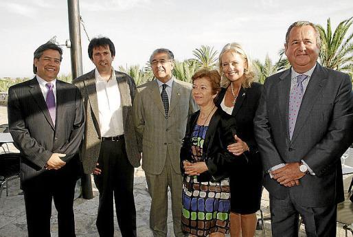 Fran Godoy, Jorge Marr, Daniel Samaniego, Antonia Manera, Amy Christiansen y Jaime Ramon.