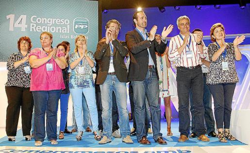 José Ramón Bauzá, con algunos miembros de la ejecutiva del PP.