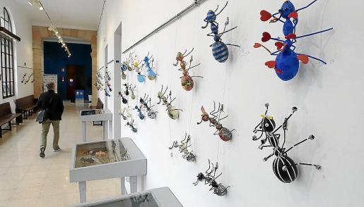 El edificio de Sa Riera, de Palma, presentó este lunes la exposición 'Treballadores Ants'.