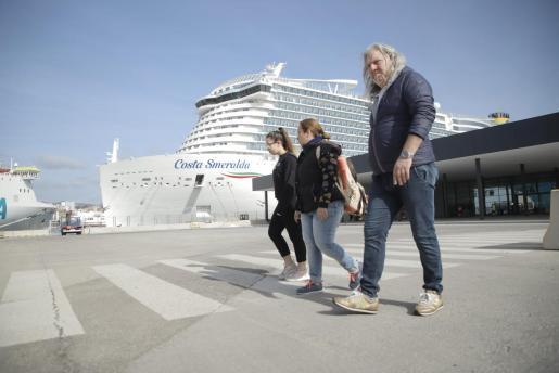 Imagen del crucero Costa Smeralda en Palma.