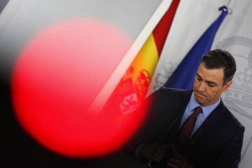 El presidente del Gobierno, Pedro Sánchez, durante la rueda de prensa ofrecida este martes en el palacio de la Moncloa para hablar de medidas frente al coronavirus.