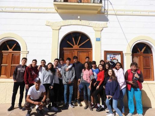 Los alumnos del IES Marc Ferrer que hicieron la exposición fotográfica.