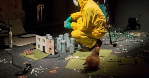 Hermanas Picohueso presenta 'Excalibur i altres històries d'animals morts' en el Teatre Principal.