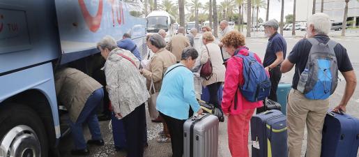 El número de hoteles afectados por la suspensión temporal de los viajes de la tercera edad es de 30 en las Islas, de los cuales 17 se encuentran ubicados en varias zonas turísticas de Mallorca.