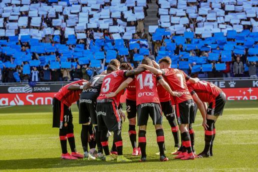 Imagen de los jugadores del Real Mallorca antes de un partido.