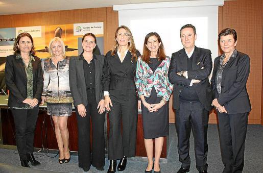 Paula Serra, Maite Antón, Esther Vidal, Encarna Piñero, Inés Juste, Manuel Bermejo y Carmen Serra.