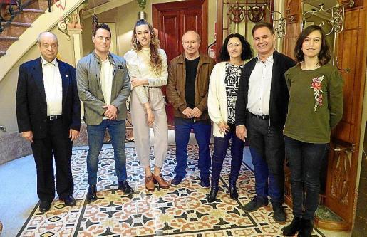 Tolo Oliver, Carlos Darder, Gràcia de Juan, Miquel Nadal, Mar Castanyer, Jaume Bestard y Antònia María Miró.