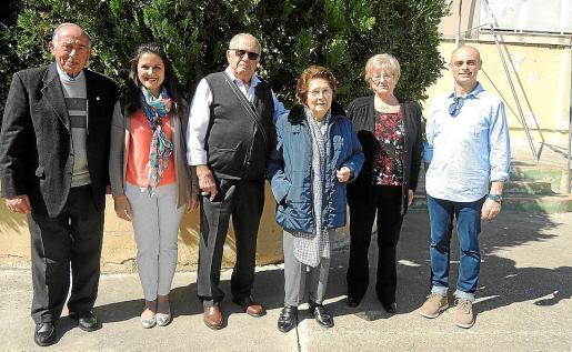 Vicente Navarro, Ana Manzano, Juan José Manzano, Ana Fernández, Josefa Millán y Miguel Ángel Gil.