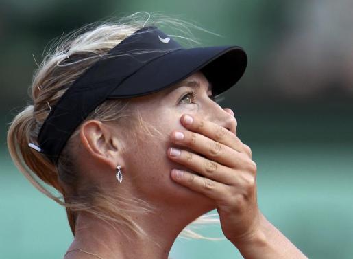 Maria Sharapova, emocionada tras la victoria sobre Petra Kvitova que le ha dado el pase a la final de Roland Garros.
