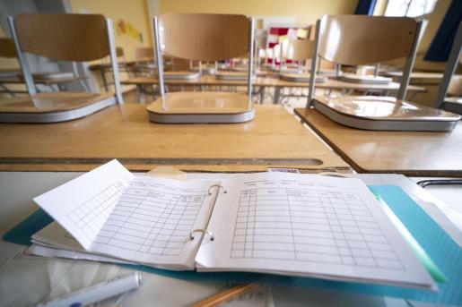 Imagen de un aula vacía.