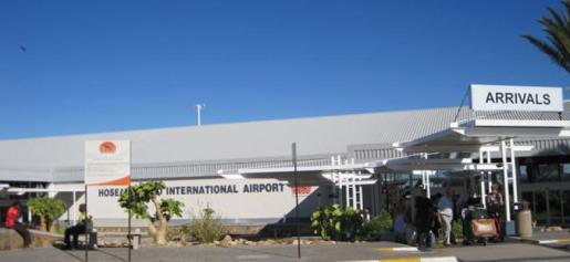 Imagen del aeropuerto de Hosea Kutako (Namibia), al que llegaron los dos pasajeros españoles infectados.