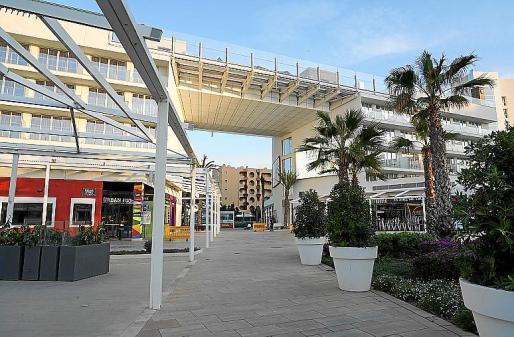 El Momentum Plaza, en Magaluf, este domingo seguía abierto.