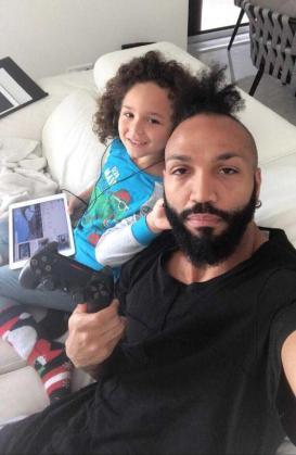 Emilio Nsue, que militan en el Apollon Limasol de la Liga Chipriota, es uno de los jugadores que se encuentra recluido en su domicilio.