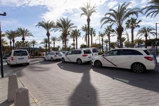 El sector del taxi es uno de los que da muestras de solidaridad.