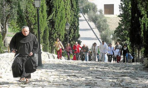 Los actos debían comenzar el sábado y concluir con una romería el domingo.