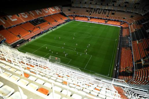 Imagen del estadio de Mestalla durante el partido de vuelta de la eliminatoria de Liga de Campeones contra el Atalanta.