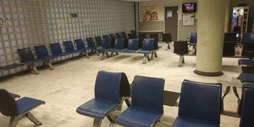 La sala de urgencias pediátricas, vacía.
