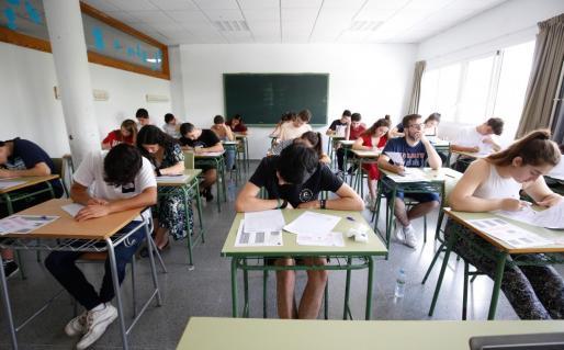 Imagen de archivo de la prueba de Selectividad del año pasado en Ibiza.