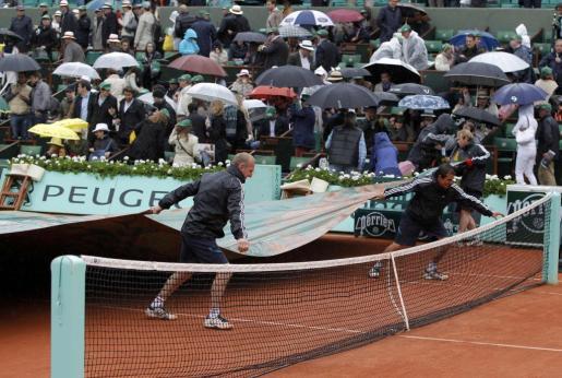 El partido entre Rafael Nadal y Novak Djokovic ha sido suspendido por la lluvia.