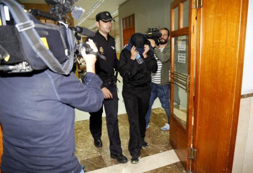 Un policía local detenido en el año 2015 en la causa.