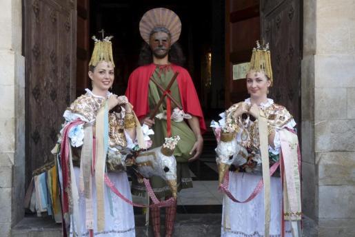 Este año la comitiva, antes de la procesión, salió de la iglesia de Monti-sion.