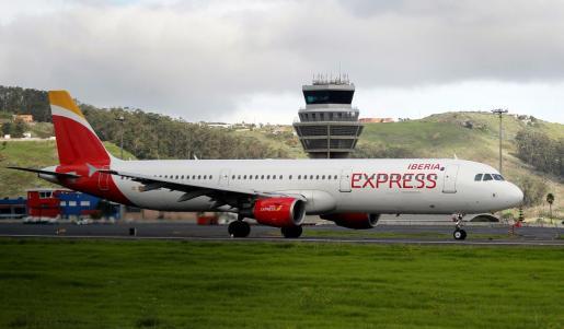 Un avión de Iberia en Tenerife.