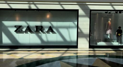 Escaparate de Zara en un centro comercial de Majadahonda.