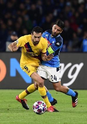 Imagen del partido disputado entre el Nápoles y el Barcelona el pasado 16 de febrero.