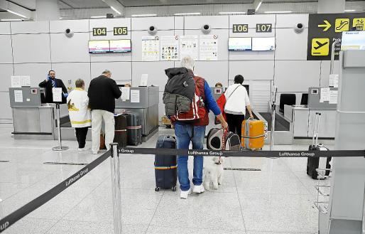 Las aerolíneas siguieron ayer con la repatriación de turistas, en este caso a países nórdicos.