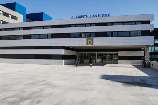 La fachada del hospital Can Misses.