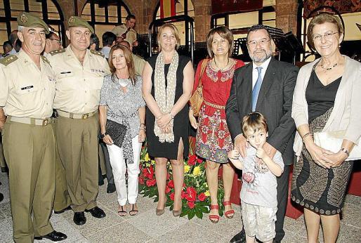 Martínez Molina, José Luis Codina, María José Sans, Águeda Reynés, María José Guerrero, Ferran Martínez, Carlos González y Lola Pujadas.