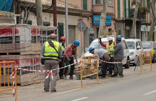 Imagen de archivo de un grupo de trabajadores en el Carrera Balanguera de Palma.