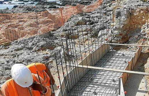 Imagen de las obras que se están desarrollando en Cala Rajada y que se han visto ralentizadas por el coronavirus.