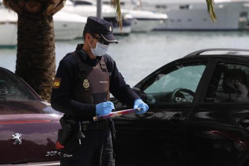 A medida que pasan los días, los agentes del Cuerpo Nacional de Policía, Guardia Civil y diferentes policías locales de los municipios de Baleares están aumentando los controles.