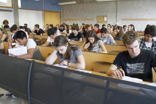 Una de las aulas de la UIB en las que se están celebrando las pruebas de selectividad en Palma.
