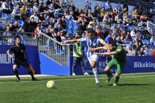 Imagen del partido de esta temporada entre el Atlético Baleares y el Racing de Ferrol.