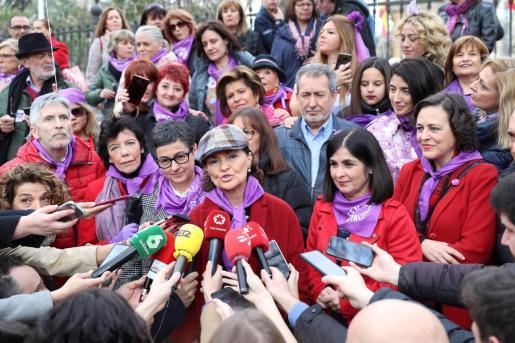 La vicepresidenta primera del Gobierno, Carmen Calvo, junto a varios ministros en la manifestación por el Día de la Mujer del pasaedo 8 de marzo en Madrid.