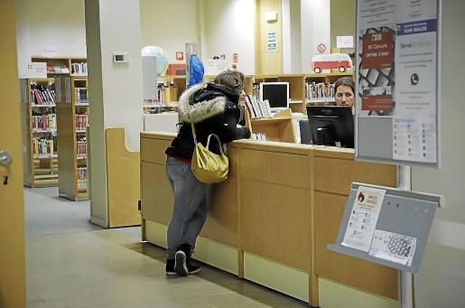 La Biblioteca Can Sales continúa funcionando, eso sí, de manera virtual.