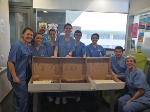 Profesionales sanitarios de Son Espases compartieron en las redes su alegria por la dulce entrega.