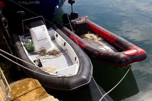 Una operación conjunta de la Policía Nacional y la Guardia Civil desarrollada en las últimas horas en la ría de Arousa se ha saldado con la detención de dos personas y la incautación de más de 2,5 toneladas de cocaína.