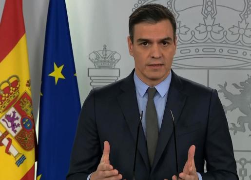 Captura de la señal de video de La Moncloa, de la rueda de prensa este sábado del presidente del Gobierno, Pedro Sánchez.