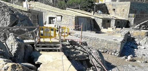 Se ha vallado parte del puerto de Sa Calobra para evitar accidentes debido a los destrozos de la borrasca.