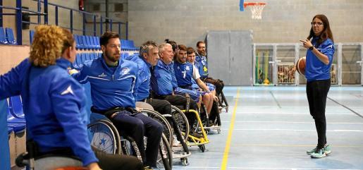 El virus deja parado por ahora el baloncesto en silla de ruedas, un deporte que vivía un gran impulso con nuevos clubes en la Isla.